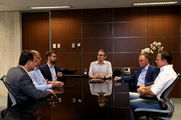 Reunião teve presença dos governadores de MG, RS, ES, RJ, SC e SP