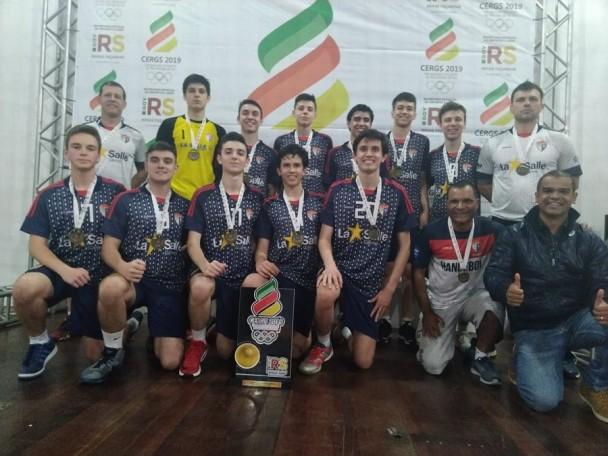 La Salle do Carmo, campeão do Cergs Handbol Masculino de 15 a 17 anos)