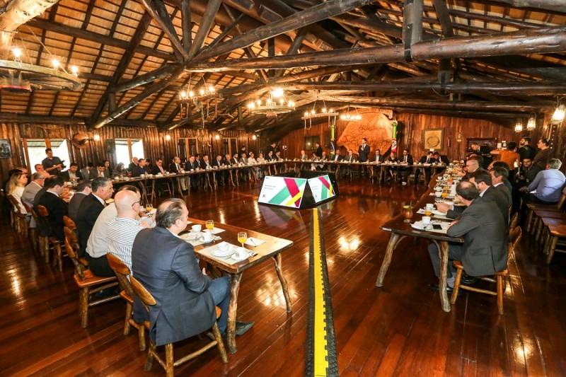 PORTO ALEGRE, RS, BRASIL, 13/11/2019 - Reunião com deputados da base sobre Reforma Estrutural. Fotos: Gustavo Mansur/ Palácio Piratini