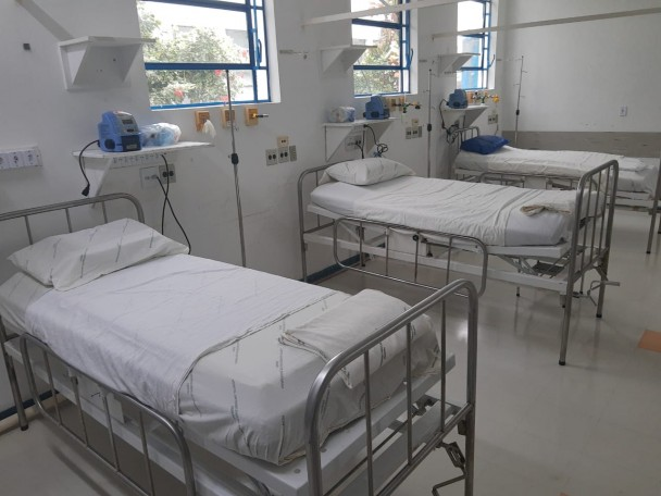 leitos clínicos hospital universitários santa maria