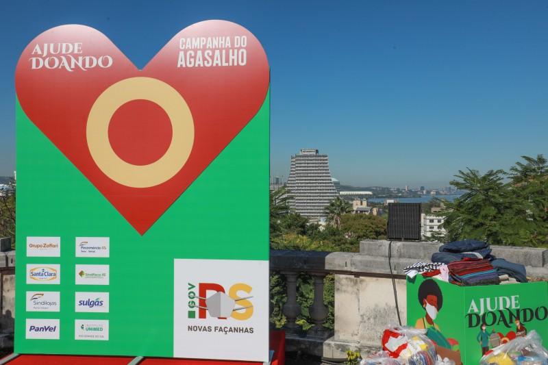 PORTO ALEGRE, RS, BRASIL, 30.4.2021. Governador Eduardo Leite durante Lançamento da Campanha do Agasalho 2021. Foto: Itamar Aguiar/Palácio Piratini.