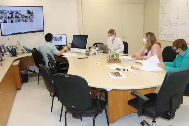 reunião destino vacinas 3 5